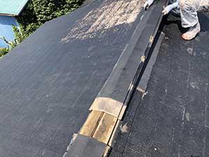 前橋市富士見町 屋根 り棟板金と貫板交換