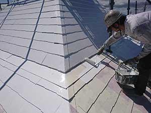 kfc店舗 塗装 屋根中塗り
