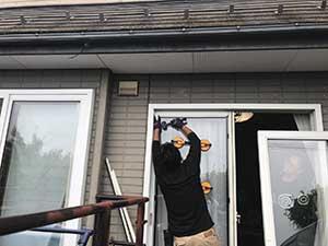 高崎市箕郷町 掃き出し窓ガラス交換