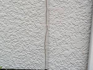 前橋市三俣町 外壁塗目地ひび