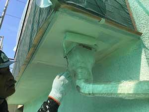 太田市 モルタル外壁塗装 軒天二回目