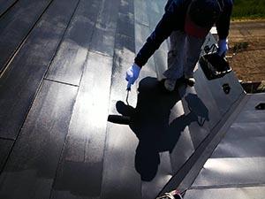 玉村町 ガルバニウム鋼板屋根塗装 上塗り