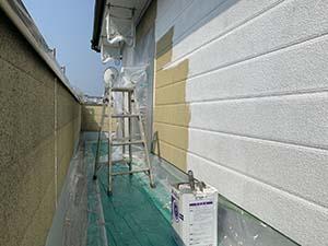 渋川市 リシン外壁下塗り