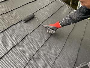 長野県軽井沢町別荘コロニアル屋根塗装 上塗り2回目