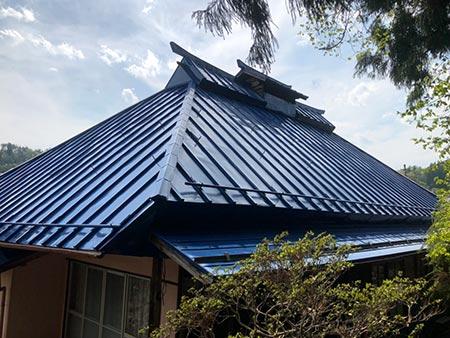 北群馬郡吉岡町M様 さん葺きトタン屋根塗装 後