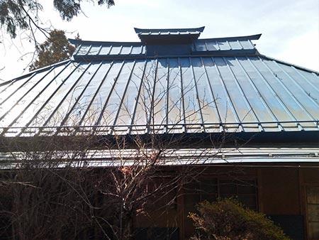 北群馬郡吉岡町M様 さん葺きトタン屋根塗装 前