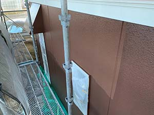 前橋市亀里町外壁塗装 1階上塗り