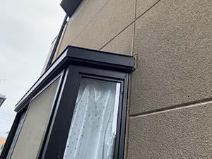 伊勢崎市富塚町 外壁屋根塗装 出窓コーキング
