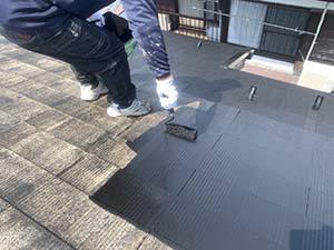 コロニアル屋根上塗り一回目