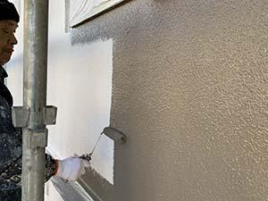 前橋市 吹き付けタイル外壁 中塗り