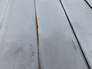 玉村町上新田 ガルバリウム屋根塗装 錆び